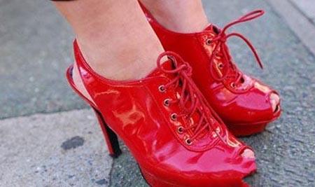 火红夏日 红艳艳的潮人必备单品