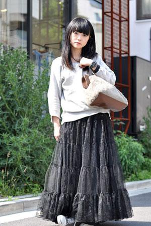 日本夏日街头的多彩裙装