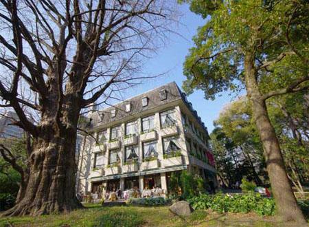 夏日避暑纳凉 去东京日比谷公园吧