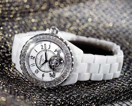 "Chanel高级腕表之""心""J12 体验高贵质感"