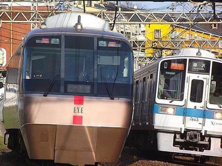 东电轮番停电 小田急电铁采取减班节电措施
