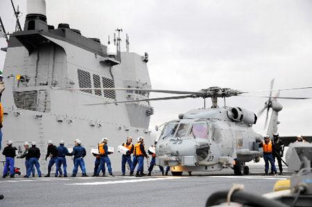 美海军输送救援物资 支援日本灾区