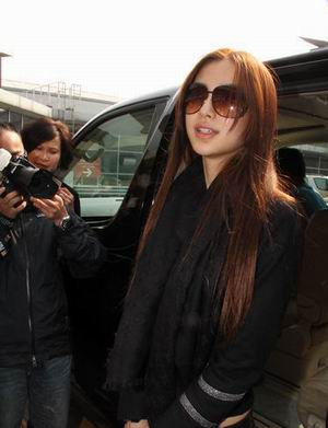 Angelbaby从东京返回 对日本地震心有余悸