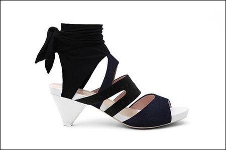 Anteprima2011春夏鞋款 妩媚的足上风情