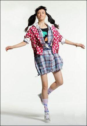 日本潮牌Mercibeaucoup 怪诞少女秀