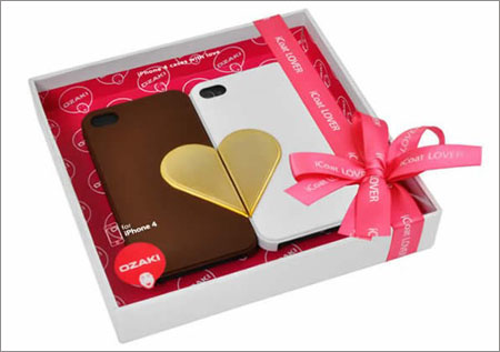 iPhone4情侣保护套日前推出 售价约2500日元