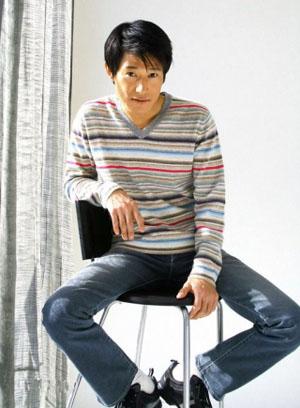 日籍艺人矢野浩二收集中国对灾民的鼓励之声