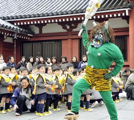 『日本民俗』节分日撒福豆驱鬼