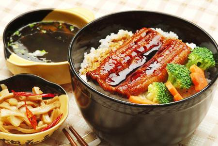 日本人一日三餐的习惯是到近代才有