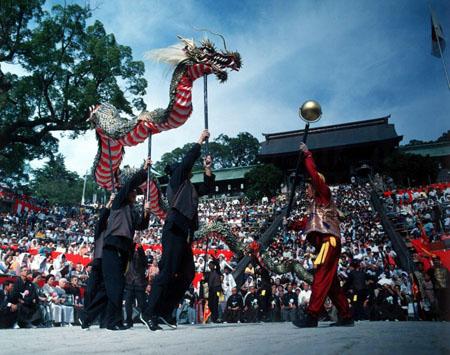 长崎市秋祭重阳节 舞巨龙祈求平安
