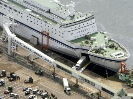 灾后第一艘大型渡轮驶入仙台港 海运物流将恢复