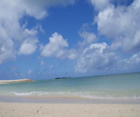 冲绳度假休闲的好场所——丰崎海滩