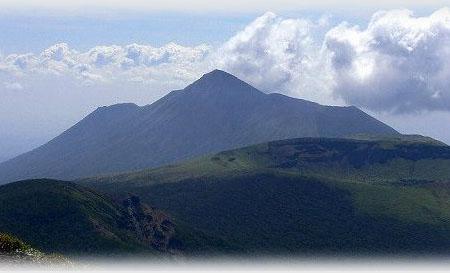 雄伟壮观的都城高原 高千穗峰