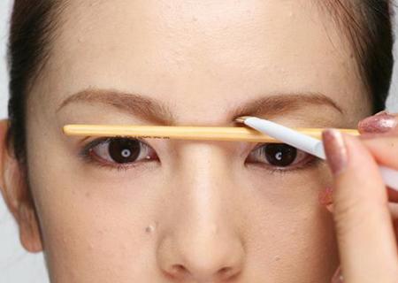 黄金比例完美眉形打造法——画眉篇