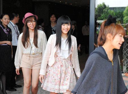 AKB48上海免费公演 感恩地震应援