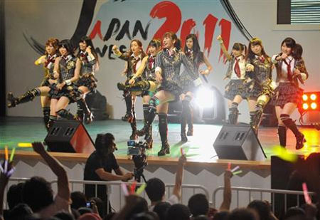AKB48中国感恩之行 上海公演大狂热