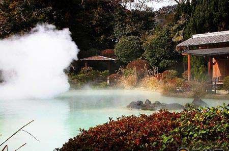 深秋迷人的日本红叶温泉之旅