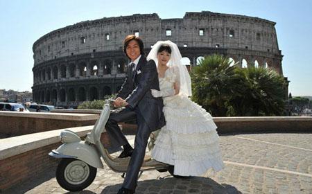 绫濑遥婚纱照型披露 和藤木直人共游意大利罗马