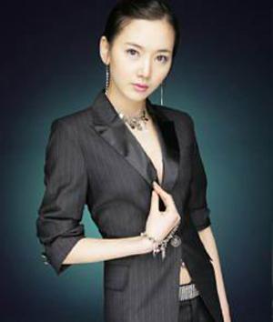 日韩美女大比拼 谁的身形更辣?