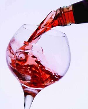 调查显示夫妻一起适量饮酒有助于防止对方劈腿!