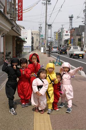 日本伊贺流手里剑大赛举行 五大特点教您辨别忍者!