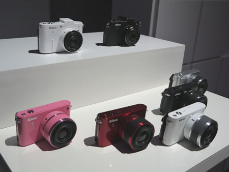 尼康官网今天发布两款单电相机