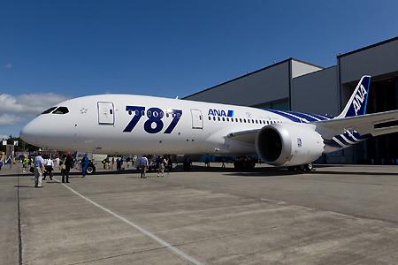 全日空引进全球首架波音787客机