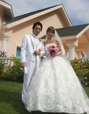 小仓优子夏威夷举行婚礼 公布白色婚纱照