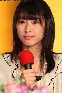 短发 荣仓奈奈/天真可爱的笑容和短发是荣仓奈奈的商标,但其实到2008年末为止...