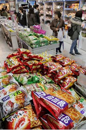"""""""新大久保族""""牵引韩流 韩国产品在日热销"""
