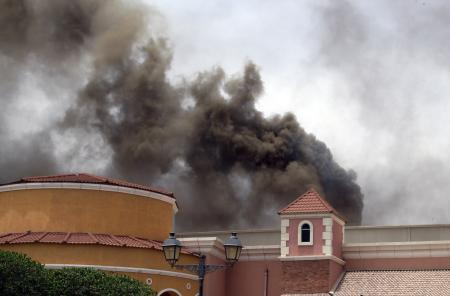 中东卡塔尔购物中心大火致日本人在内19人死亡