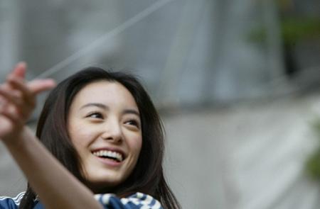 拥有美丽头发的日本名人——仲间由纪惠