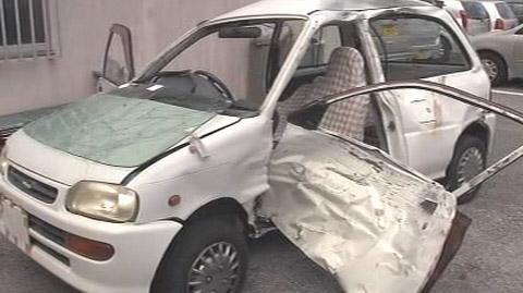 冲绳国道无驾照中学生开汽车撞摩托车致5人受伤