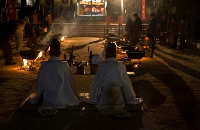 """新见""""下跪祭"""" 冈山县300年传统祭典"""