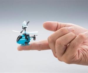 日本万代年末将推出全球最小遥控直升机