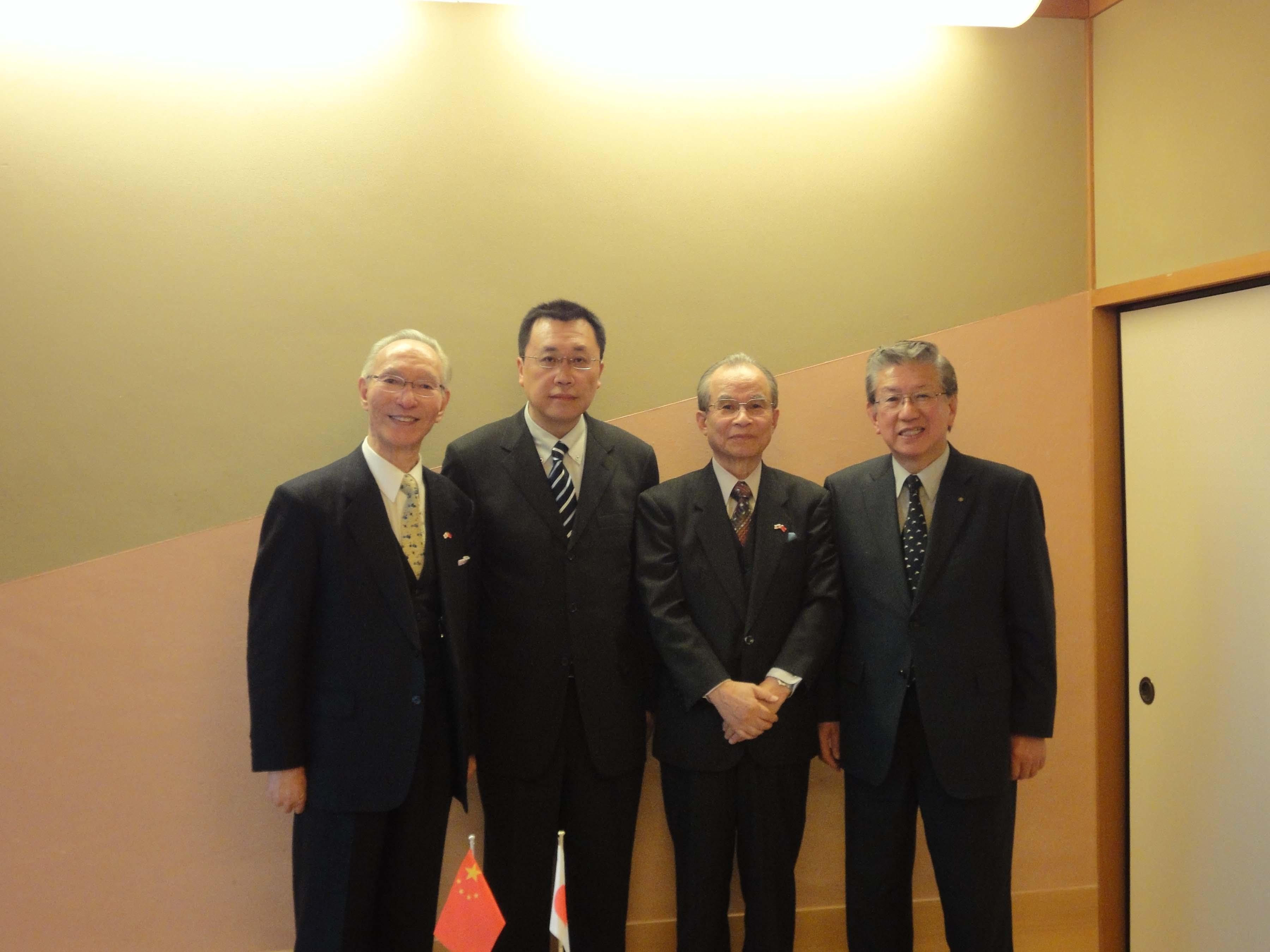 驻长崎总领事邓伟走访佐世保厦门青少年交流协会