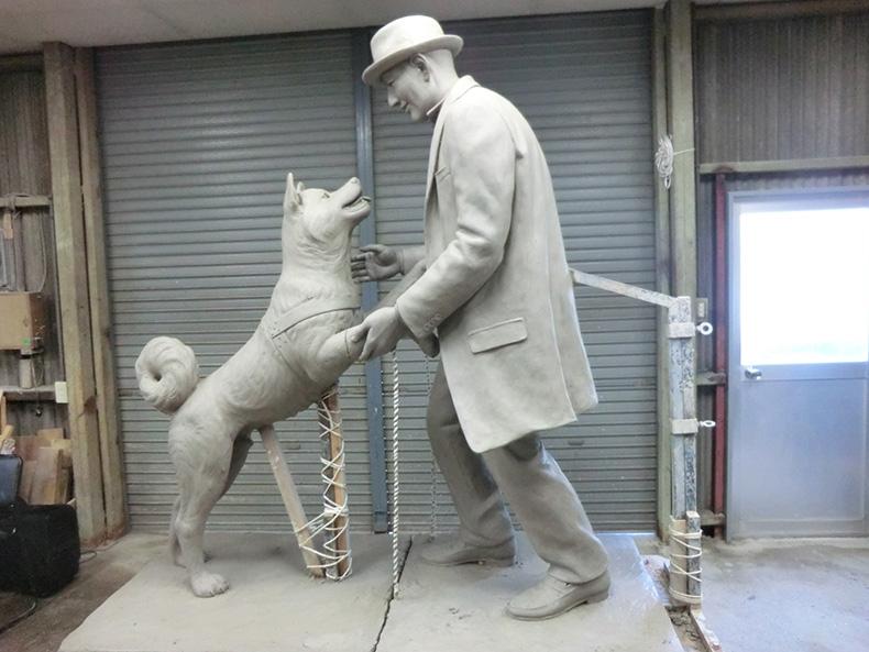 """等了80年,忠乐福国际娱乐犬八公终于""""迎来了""""主人"""