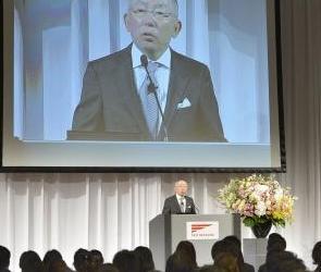 日本优衣库提前举办新员工入社仪式