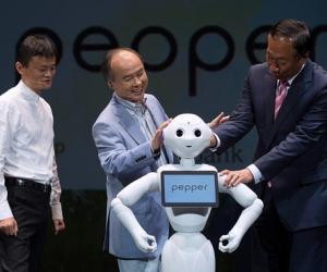 """软银人形机器人""""Pepper""""月底再开销售"""