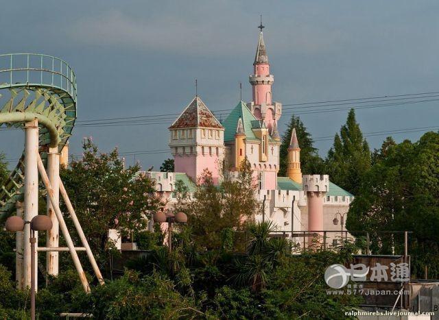 上海迪斯尼要开园了,这些游乐园却成了鬼城