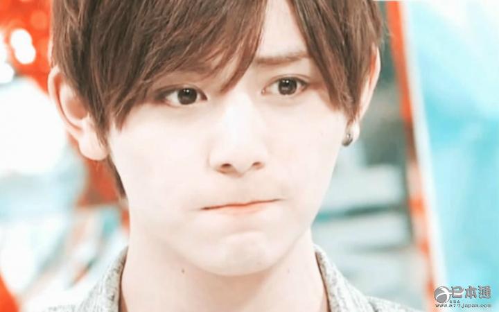 VIVI最近公布了日本国宝级帅哥的排名调查结果,里面有没有你喜欢的那一位?  第一名:山崎贤人(21岁) 山崎贤人已经连续两次摘得国宝级帅哥排名的头筹了。这位2.5次元的小鲜肉美貌人间罕见。啊,小通又被晕倒在他的美貌之下了!  第二名:菅田将晖(23岁) 因为电视剧积累了超高人气的营田将晖,现在出演《悦音响起》中,他的兴趣是在深夜制作西装,对缝纫很擅长!  第三名:山下智久(31) 山下智久在最近的作品中将会挑战格斗戏。他在《火星异种》中使用的流畅英语是向城田优学的。  第四名:坂口健太郎(24) 坂口健
