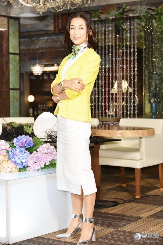 2012年,与高岛礼子等主演电视电影《reset~找到真正幸福的方法~》;同
