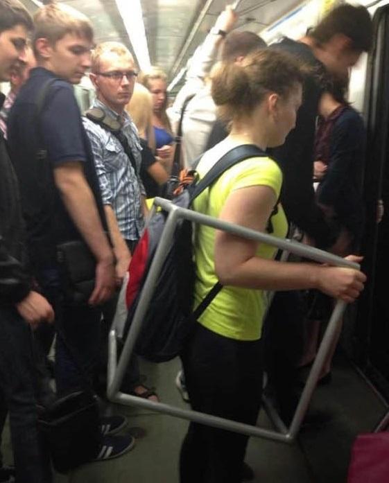 痴汉 女性专用车厢 电车