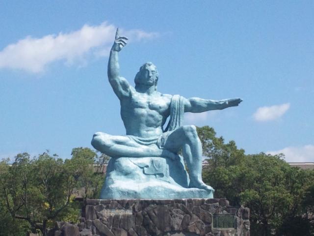 广岛和平纪念雕塑