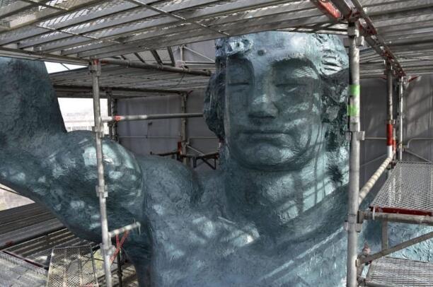 长崎平和公园纪念雕像时隔19年完成翻新上色