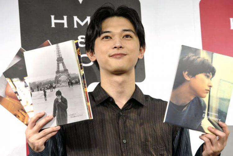 吉泽亮10周年纪念写真集《Departure》开始发售