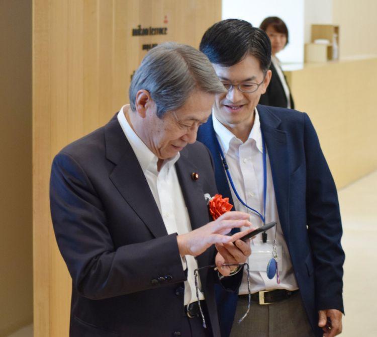 日本手机支付推行统一二维码 总务省将在4县展开实践