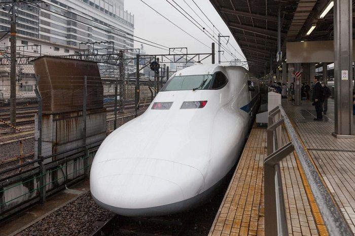 日本东海旅客铁道将员工的退休年龄延长至65岁