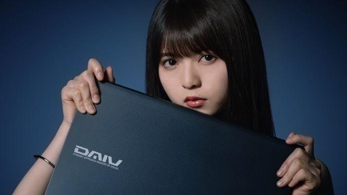 乃木坂46成员为笔记本电脑代言 展现成人魅力