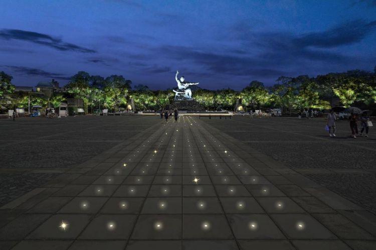 """长崎市和平公园点亮""""渴望和平之光"""""""